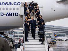 PilotsEYE.tv - LAX - LOS ANGELES - Boeing 747 - Lufthansa - in HD