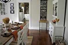 salle à manger dans le style vintage avec mobilier blanc
