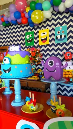 Blog Encontrando Ideias Little Monster Birthday, Monster 1st Birthdays, Twins 1st Birthdays, Monster Birthday Parties, First Birthday Parties, 1st Birthday Boy Themes, Birthday Party Decorations, Halloween Decorations, Birthday Ideas
