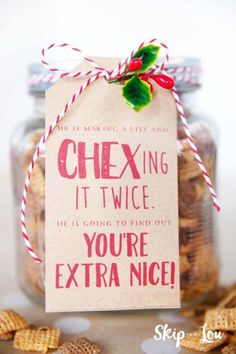 Christmas Gift Ideas that are super cute! chex mix with gift tagchex mix with gift tagEasy Christmas Gift Ideas that are super cute! chex mix with gift tagchex mix with gift tag Edible Christmas Gifts, Neighbor Christmas Gifts, Holiday Gift Tags, Neighbor Gifts, Craft Gifts, Holiday Gifts, Christmas Holidays, Christmas Crafts, Simple Christmas Gifts