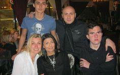 Marcel Pavel și-a serbat în weekend, fiul cel mare, Richard, la un restaurant tradițional din Centrul Vechi al Bucureștiului. Richard a împlinit 19 ani și a avut parte de o aniversare pe cinste, alături de un grup de prieteni și de familie.