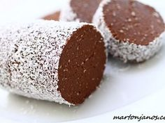Coconut chocolate salami Coconut and chocolate salami – János Marton's kitchen adventure Kókuszos csokiszalámi 17 Source by Bakery Recipes, Baby Food Recipes, Sweet Recipes, Dessert Recipes, Torte Cake, Cookie Desserts, Winter Food, Cakes And More, No Bake Cake