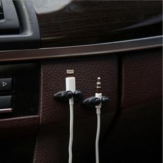 Low Promotions 2PCS Good Quality Car Adhesive Headphone USB Charger Line Auto Multi-purpose Fastener Clip Car Accessories