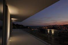Varanda cozinha/sala Lighting System, Airplane View, Lighting Design, Kitchen Living, Balcony, Log Projects, Trendy Tree