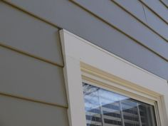 4 inch hardie plank   ... trim with aluminum drip cap, James Hardie Hardie Plank, Monterey Taupe Exterior Trim, Exterior Design, Siding Colors, Exterior Colors, Fiber Cement Siding, Hamptons Style Homes, James Hardie, Cladding, Building A House