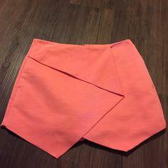 Topshop Ottoman Skort BNWOT. Antigonia pink, size 4. Never worn. 100% polyester Topshop Skirts Mini