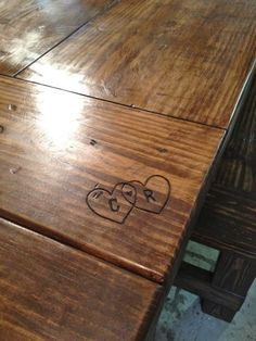 can u tell I love these DIY farmhouse tables? I think the carved in initials is a must. C&C :)