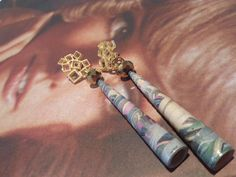 Orecchini eleganti in carta, orecchini in carta, bijoux in carta, gioielli in carta, orecchini eleganti, orecchini contemporanei, quilling di Caiapaperjewels su Etsy