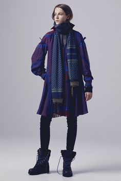 Sacai Pre-Fall 2016 Fashion Show Collection Fall Fashion 2016, Fashion Week, Love Fashion, Runway Fashion, Fashion Show, Autumn Fashion, Fashion Outfits, Fashion Design, Asian Fashion