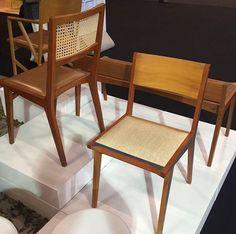 Cadeira do designer Paulo Alves com assento em ráfia por Elisa Atheniense Home