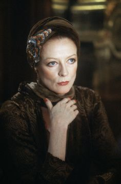 Maggie Smith - Actress   http://www.fanpop.com/clubs/maggie-smith/images/30735341/title/maggie-smith-photo