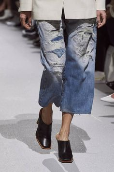 Fashion Tips School Givenchy Spring 2020 Ready-to-Wear Collection - Vogue.Fashion Tips School Givenchy Spring 2020 Ready-to-Wear Collection - Vogue 2020 Fashion Trends, Fashion Week, Fashion 2020, Fashion Show, Fashion Hacks, Givenchy, Mode Streetwear, Streetwear Fashion, Vogue Paris