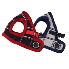 The Puppia Scholastic Vest Harness is great for training your new puppy or small dog to walk on a leash while being stylish at the same time. The fleece-lined dog harness is warm and cozy and features a checkered pattern in navy with red trim or melange g