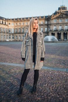 Willow Coat Plaid Wedding Photographer Outfit, Trends, Models, Mantel, Raincoat, Plaid, Jackets, Outfits, Collection