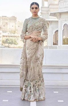 What does that beautiful Sabyasachi Saree Cost? I know I have which is why every time Sabyasachi launches a new collection, I start hunting for Sabyasachi Saree Cost in a frenzy. Indian Wedding Outfits, Bridal Outfits, Indian Outfits, Indian Clothes, Outfits Primavera, Udaipur, Sabyasachi Collection, Saree Collection, Mode Ootd