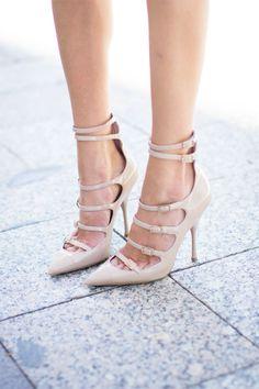 nude points #shoes #heels