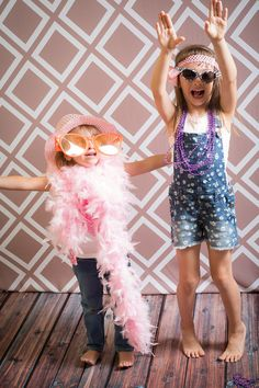 5 Best Tips for an Awesome Photo Booth Backdrop   Backdrop Express Photography Blog