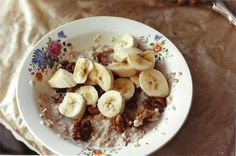 Oatmeal to comfort the soul Healthy Sides, Food Inspiration, Oatmeal, Favorite Recipes, Breakfast, The Oatmeal, Morning Coffee, Rolled Oats, Healthy Side Dishes