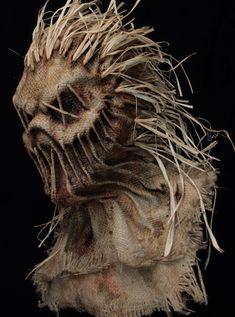 IMG_5907 Scarecrow Mask, Halloween Scarecrow, Halloween Masks, Scary Halloween, Mascaras Halloween, Cool Halloween Makeup, Gas Mask Art, Masks Art, Arte Horror