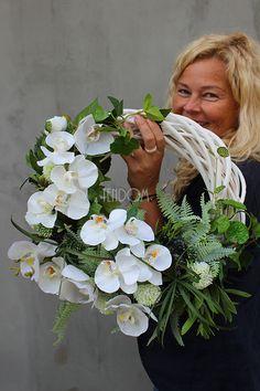 Diy Spring Wreath, Summer Door Wreaths, Easter Wreaths, Orchid Flower Arrangements, Ikebana Arrangements, Driftwood Wreath, How To Wrap Flowers, Deco Floral, Flower Images
