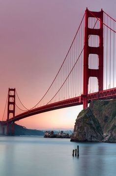 I never been to San Francisco in my life and I would like to see the golden gate bridge. I can travel to San Francisco in my vacation time. Oh The Places You'll Go, Places To Travel, Places To Visit, Puente Golden Gate, Golden Gate Bridge, Belle Photo, Travel Usa, Travel Tips, Wonders Of The World