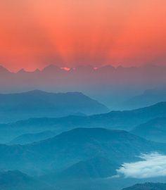 majesty of nepal :: Sunrise Above Himalayas [anton jankovoy]