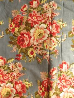 A14 Gray Floral Fabric Pattern
