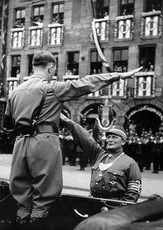 Adolf Hitler und Hermann Göring.
