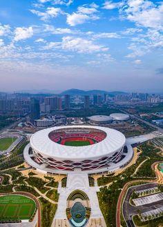 Stadium Architecture, Office Building Architecture, Unique Architecture, Concept Architecture, Soccer Stadium, Football Stadiums, Football Field, Qatar World Cup Stadiums, Retail Facade