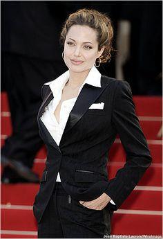 Angelina Jolie Cannes 2004>>>> Classic style.......Elegant