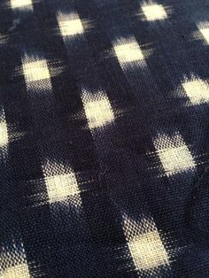 1 = 1/2 yard 2 = 1 yard 3 = 1 1/2 yard 4 = 2 yards Beautifully soft cotton ikat hand loomed in off-white and indigo/navy blue. As this is a