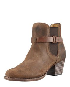 Dust-kickin' ankle boots.