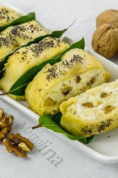 ROTOLO AL GRUYERE E NOCI #gruyere #noci #rotolo #tortasalata #formaggio #sfoglia #ricotta #microonde #piattounico #secondo #buffet