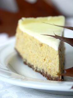 korzenny sernik dyniowy z polewą śmietanową Cheesecake, Food, Cheesecakes, Essen, Meals, Yemek, Cherry Cheesecake Shooters, Eten