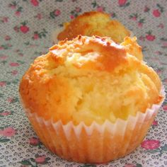 Use Coconut Oil - Pineapple Muffins Recipe: I used brown sugar and coconut oil, they were perfect! - 9 Reasons to Use Coconut Oil Daily Coconut Oil Will Set You Free — and Improve Your Health!Coconut Oil Fuels Your Metabolism! Pineapple Muffins, Pineapple Recipes, Pineapple Cupcakes, Pineapple Bread, Muffin Tin Recipes, Baking Recipes, Dessert Recipes, Almond Recipes, Chili Recipes