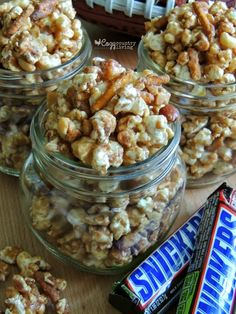 This Sweet & Salty SNICKERS Popcorn is perfect for Game Day! It's easy to make and serves a crowd! Popcorn Recipes, Snack Recipes, Dessert Recipes, Cooking Recipes, Easy Desserts, Delicious Desserts, Easy Sweets, Yummy Snacks, Yummy Food