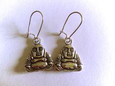 boucles d'oreilles dormeuses bouddhas pour une touche ethniques ! prix : 7.50 euros http://www.alittlemarket.com/boutique/clouds_are_yellow-1267595.html