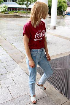 Enjoy Coca Cola #cocacola #shirt #miroslavaduma #miraduma #paris #fashionweek #vetements #jeans #streetstyle #blogger #bloggergermany #olsen #styling