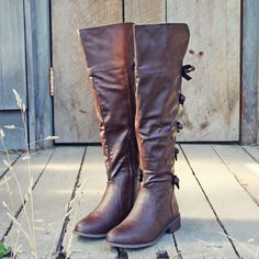 The Bow Back Boots, Sweet Riding Boots from Spool No.72.   Spool No.72