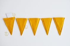 We are 14 days away from Halloween, can you believe it? Do you have your costumes picked and parties planned? Rubyellen from Cakies is here with 4 super simple headbands you can make to top off a H…