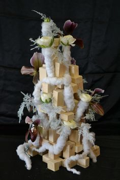 Démonstration Noël 2015 réalisée par une formatrice en art floral .CFA Blagnac.(France)