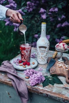 Vegan Cashew Coconut Ice Cream with Rhubarb and Baileys Almande - Our Food Stories Cherry Drink, Red Drink, Baileys Drinks, Picnic Dinner, Coconut Ice Cream, Easy Eat, Outdoor Food, Food Goals, Different Recipes