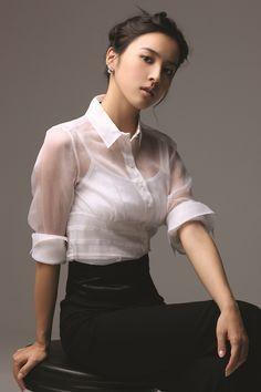 ハン・ヘジン(韓惠珍):(1981年10月27日-33歳 )は韓国の女優である。身長164cm、体重46kg、血液型A型。