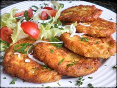 KVĚTÁKOVÉ PLACIČKY Czech Recipes, Ethnic Recipes, Lchf, Tandoori Chicken, Pizza, Meat, Cooking, Baking Center, Kochen
