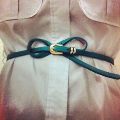 How to tie a belt that's too long.--LOL! A belt that's too long!  Funny! Where are the people with that problem!?