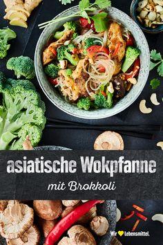 Genieße unsere asiatische Wokpfanne mit Brokkoli ganz ohne Fleisch sondern mit veganem Fleischersatz und allerlei frischem Gemüse. #edeka #asiatisch #wok #gemüse #rezept Japchae, Healthy Life, Lunch, Ethnic Recipes, Food, Vegane Rezepte, Wok Recipes, Lunch Ideas, Healthy Living