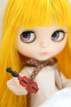 Find More Kitchen Toys Information about Cute Dollhouse Miniature MINI Violin wine 4pcs 1118,High Quality violin resin,China violin outfit Suppliers, Cheap violin accessories from Cool items on Aliexpress.com