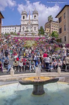 Pietro Bernini - Fontana della Barcaccia 1627 - Piazza di Spagna [Introduzione]