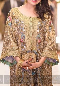"styleofarabia: ""INSPO/ Designer Rana Noman 💕, Photography by Ameeq Asra. Pakistani Formal Dresses, Pakistani Wedding Outfits, Pakistani Dress Design, Indian Outfits, Pakistani Party Wear, Party Wear Dresses, Casual Dresses, Hijab Fashion, Fashion Dresses"