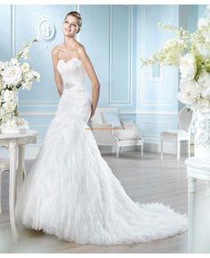 Robe de mariée sirène tulle dentelle plumes